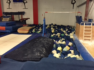 Foam pit and single pit bar